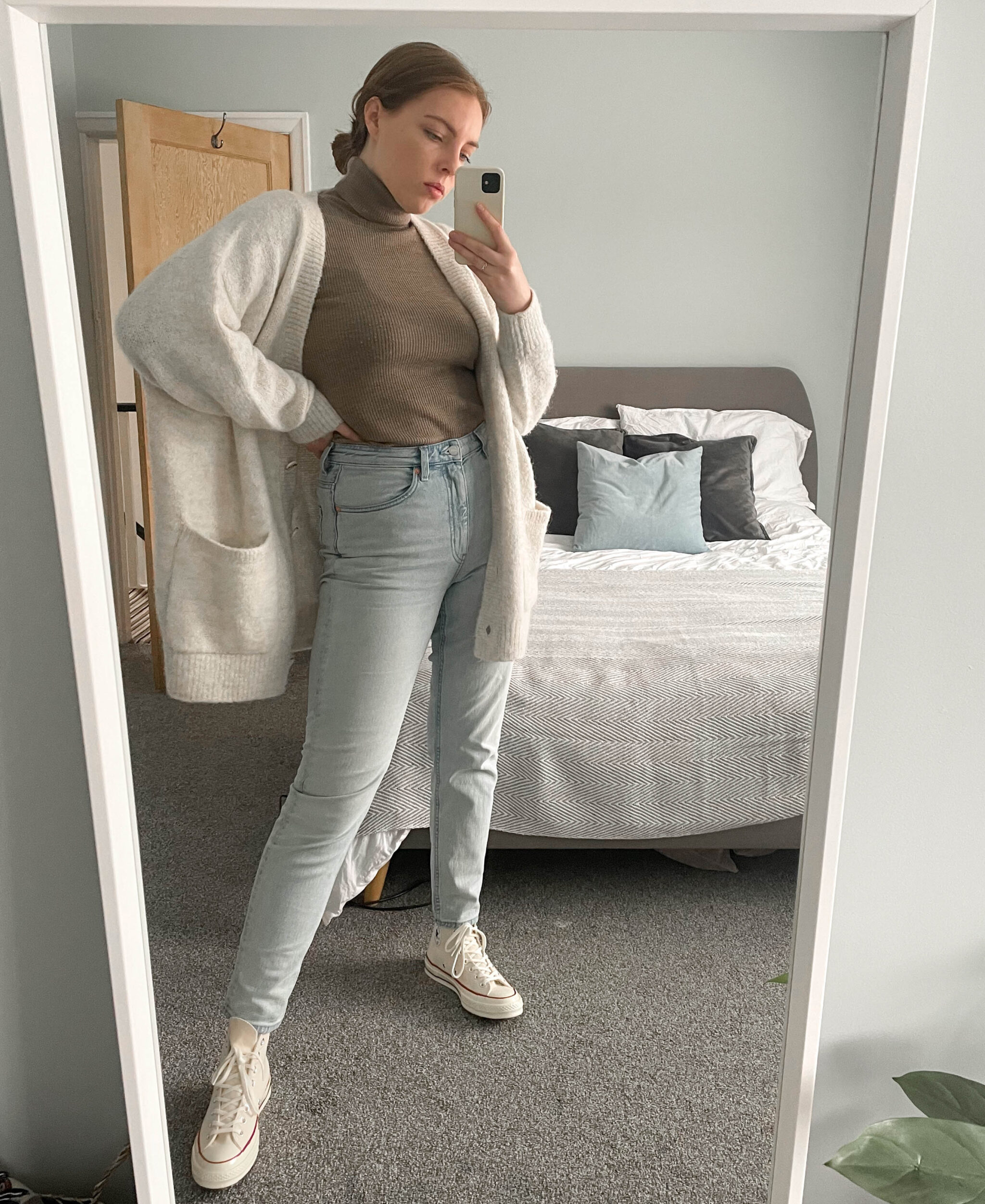mom jeans and beige turtleneck off-white converse lockdown style